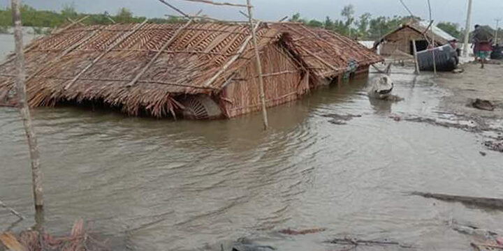1cyclone-amphan-claims-lives-and-wreaks-havoc-in-bangladesh