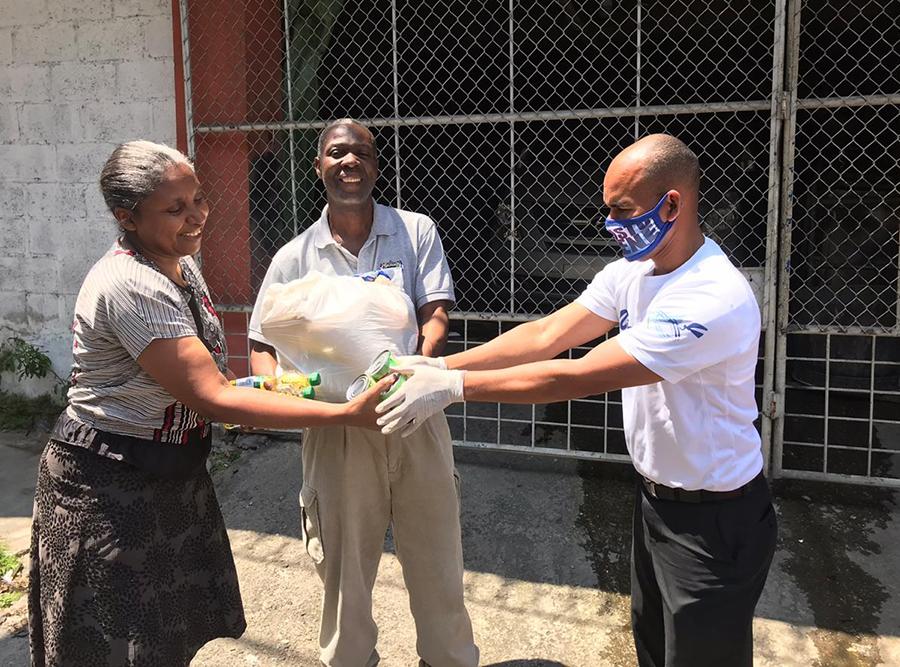 domu-literature-evangelist-receives-food