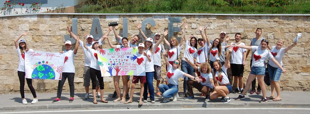 invasion of love group photo jajci edited