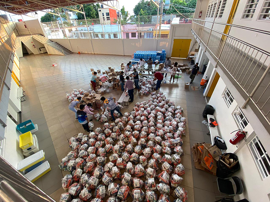xsemu-volunteers-prepare-relief-goods-tabasco-communities.jpg.pagespeed.ic.MR1ANG AUd